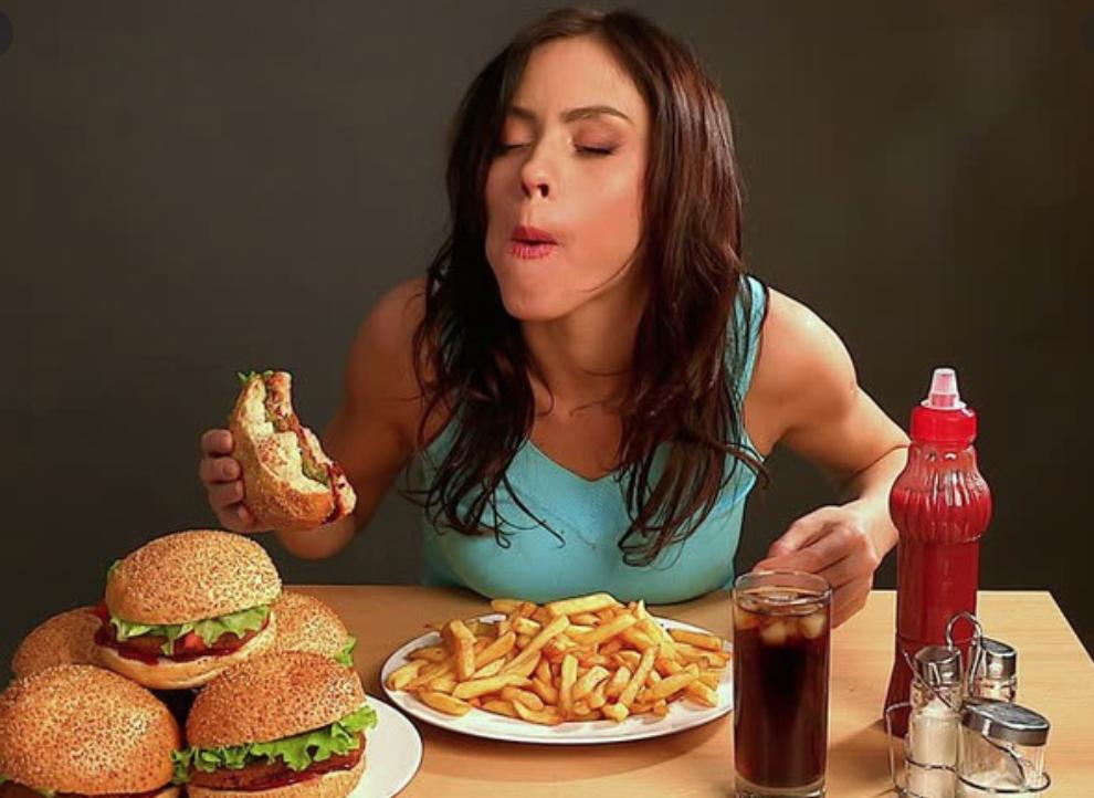 Một điều kinh khủng hơn nữa khi nhịn ăn mà đi ngủ là mình sẽ bị tăng cảm giác thèm ăn vào ngày hôm sau