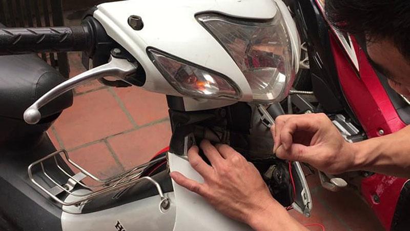 Lắp đặt định vị cho xe máy